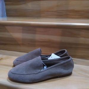 A new day taupe grey flats size 9.5W